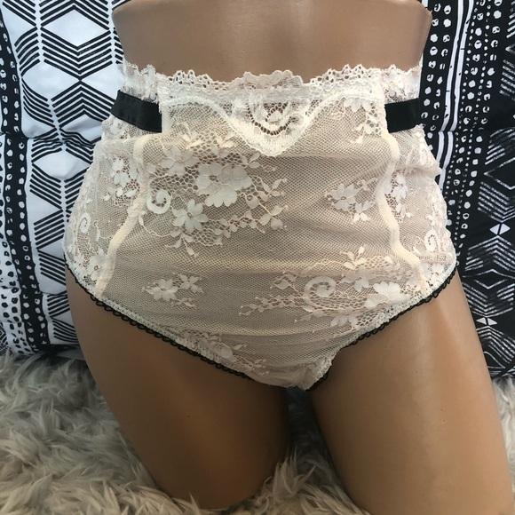 c1be75b248 Victoria s Secret Off white high rise thong